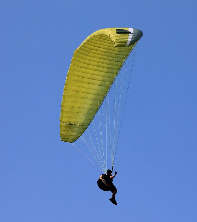paragliding-200827_1280